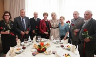 """""""Arsimi dhe shkolla shqipe ka ende nevojë për mësuesit e vjetër"""""""