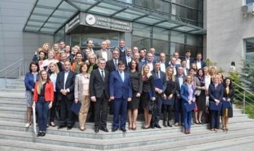 Kurrikula e re, ministri Bajrami takim me drejtuesit e parashkollorit