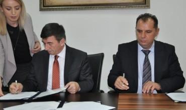MASHT dhe OEK nënshkruan memorandum mirëkuptimi