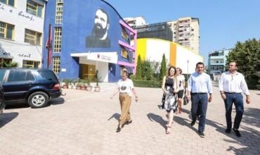 """Motoja e Bashkisë Tiranë: """"Çdo ditë një shkollë!"""""""