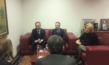 Nikolla takoi Ministrin e Arsimit dhe Shkencës të Maqedonisë
