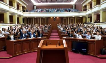"""Themelohet """"Parlamenti i Nxënësve të Shqipërisë"""", synohet rritja e cilësisë së procesit arsimor"""