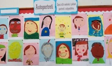 """Si të realizoni lojën e """"Autoportretit"""" në klasën tuaj"""