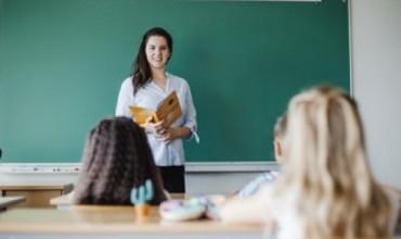Përmbajtja e portofolit të praktikantit dhe vlerësimi i tij nga komisioni dhe mësuesi mentor