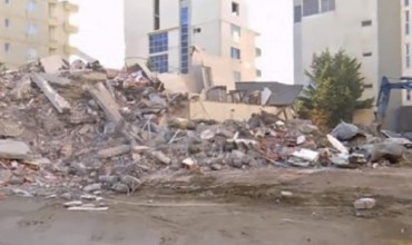 Dëmtime serioze në rreth 34 shkolla në Durrës, Shijak dhe Tiranë, mbërrijnë ekipe rivlerësuese nga Kosova