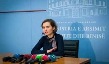 Shtyhet mësimi në Durrës, Tiranë dhe Lezhë, në qarqet e tjera mësimi nis nesër