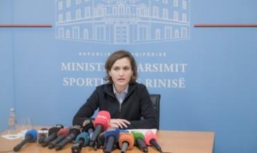 Shtyhet mësimi në Tiranë, Vorë e Kurbin, Ministrja Shahini: Nis më 9 dhjetor
