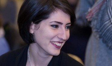 """""""Jepi një dorë vetes"""", këshilla psikologjike nga Anisa Zaçe"""