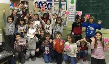 Kartolinat e nxënësve nga Gjilani për bashkëmoshatarët në Shqipëri, Austri dhe Francë