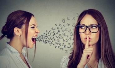 Pesë situata në të cilat është mirë që mësuesit të heshtin
