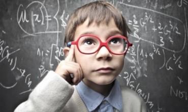 A mësohet mendimi kritik në shkollë?