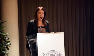 Oriana Osmani nga Shkolla e Drejtorëve:  Ka ardhur koha të mendojmë se arma më e fuqishme e një kombi është EDUKIMI