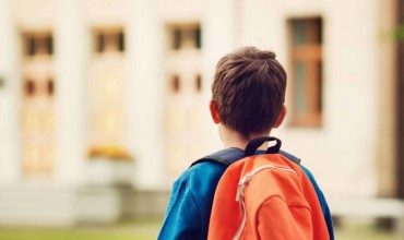 Si t'ia dalim kur duhet të ndryshojmë shkollën në mes të vitit?