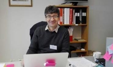 Shpend Rrukiqi, mësuesi magjistër që theu barrierat suedeze përmes punës dhe vendosmërisë