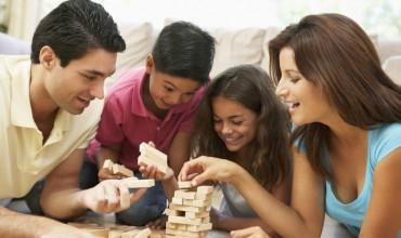 Lojëra që mund të realizoni në kushte shtëpie, duke përfshirë të gjithë pjesëtarët e familjes