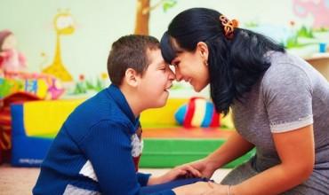 Për prindërit e fëmijëve me aftësi ndryshe, sjellet që duhet të keni parasysh si mësues dhe terapistë