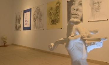 """""""Pandemia"""", ekspozita në galerinë FAB, realizuar nga studentët e Arteve të Bukura"""