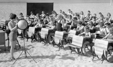 Klasat pa mure, një epokë e harruar e shkollave të hapura