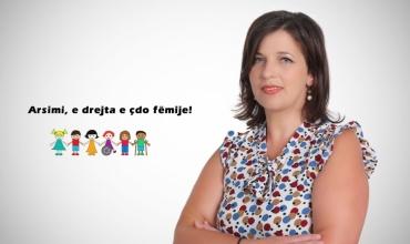 Xhensila Kokoshi: Kuptimi i pozicionit të mësuesit ndihmës në klasat e zakonshme