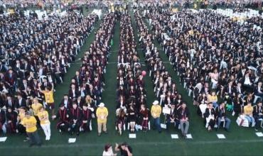 Njihuni me 8 shqiptarët që kryesuan 40 mijë studentë në një universitet në Turqi
