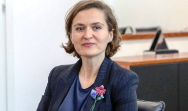 Ministrja Shahini ndan urim për vitin e ri shkollor: Domosdoshmëri respektimi i protokolleve shëndetësore