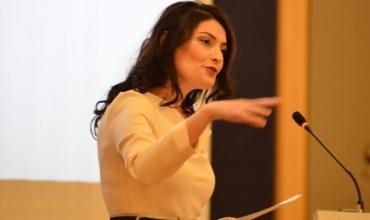 Arlinda Çausholli: Për mësuesit, për ne