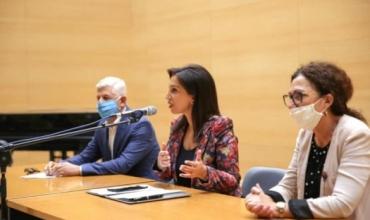 Mësimdhënia gjatë pandemisë, Ministrja Kushi: Do të punësohen 1 mijë mësues shtesë