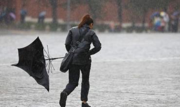 Ide se si mund t'i shpëtoni shiut kur nuk keni çadër