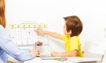 Si të ndihmojmë nxënësit me nevoja të veçanta?