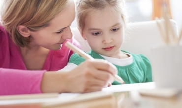 Si të zhvillojmë aftësitë e të shkruarit tek fëmijët emoshës shkollore? 10 aktivitete për t'u praktikuar