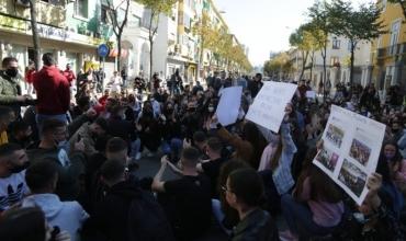 Nis viti i ri akademik, studentët dalin në protestë me disa kërkesa: Jemi të papërgatitur për mësimin online