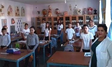 Mësuese Alkida Mehmeti: Prindër kujdesuni për fëmijët tuaj, na mbroni edhe ne