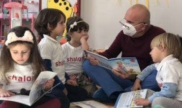 """""""Koni nuk ka më frikë nga virusi""""- Doktor Pipero lexon për fëmijët"""