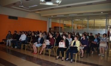 """Trajnime për mësuesit në mbështetje të përgatitjeve për provimet e Liçencës, Kualifikimit dhe Portalit """"Mësues për Shqipërinë"""""""