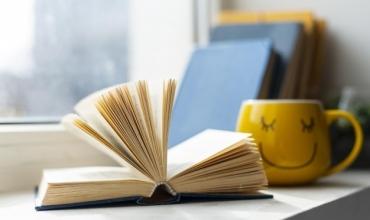 Arlind Kamberi: Përse leximi na bën të ndihemi mirë dhe përfitimet prej leximit