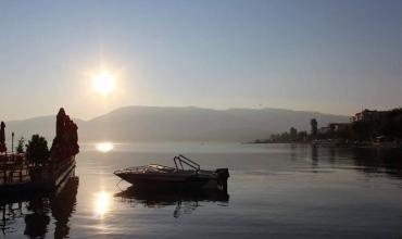 """Koment i poezisë """"Zemra e liqerit"""" nga Lasgush Poradeci"""