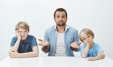 Cili është qëndrimi që duhet të mbajmë përballë konflikteve fizike të fëmijëve?