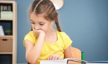 Lorela Garuli: Pse notat e fëmijëve nuk përcaktojnë vërtet suksesin dhe aftësinë e tyre?