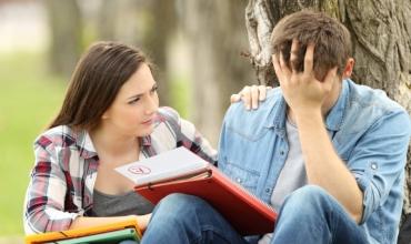 Niveli i njohurive të adoleshentëve për problemet e shëndetit mendor dhe parandalimi i problematikave në fokusin e lenteve të punonjësit social