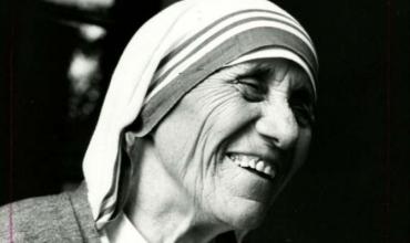 Sot përkujtohet 111-vjetori i lindjes së Shën Nënë Terezës