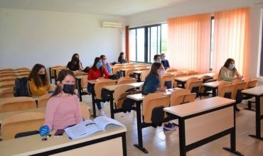 Mësimi në universitete do zhvillohet në auditorë, do lejohen vetëm studentët e vaksinuar
