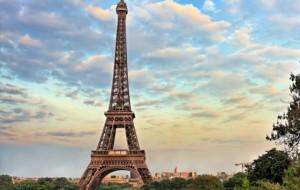 Parisi, jeta mes kursimit dhe gëzimit