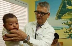 Hamilton: Ja si të qetësoni një bebe që qan