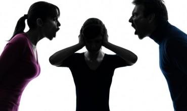 Dhuna fizike dhe psikologjike në familje, arsyet dhe shkaqet