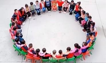 Lojëra të ndryshme për fëmijët në kopsht dhe parashkollor