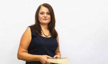 """""""Kur mësimdhënia të kërkon e para"""", ky është rrugëtimi i veçantë profesional i mësueses Florinda Palaj"""