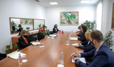 Partneritet mes Shqipërisë dhe SHBA për arsimin, Ministrja Kushi takim me Marie Royce dhe Yuri Kim