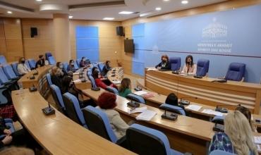 Shërbimi psiko-social, ministrja Kushi: Dyfishimi i punonjësve fuqizon përballimin e sfidave në arsim