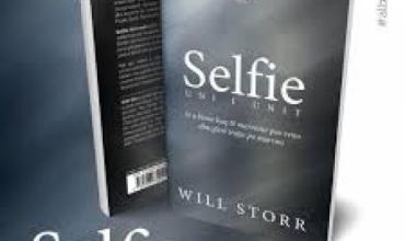 """Will Storr rrëfen ç'është """"Selfie: Uni i unit"""""""
