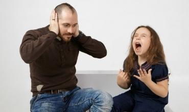 """Fëmija juaj ka shpërthime? Disa këshilla për """"Tantrum-et"""""""